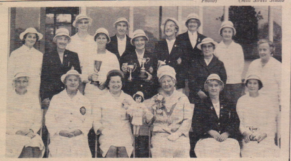 1965 women bowlers