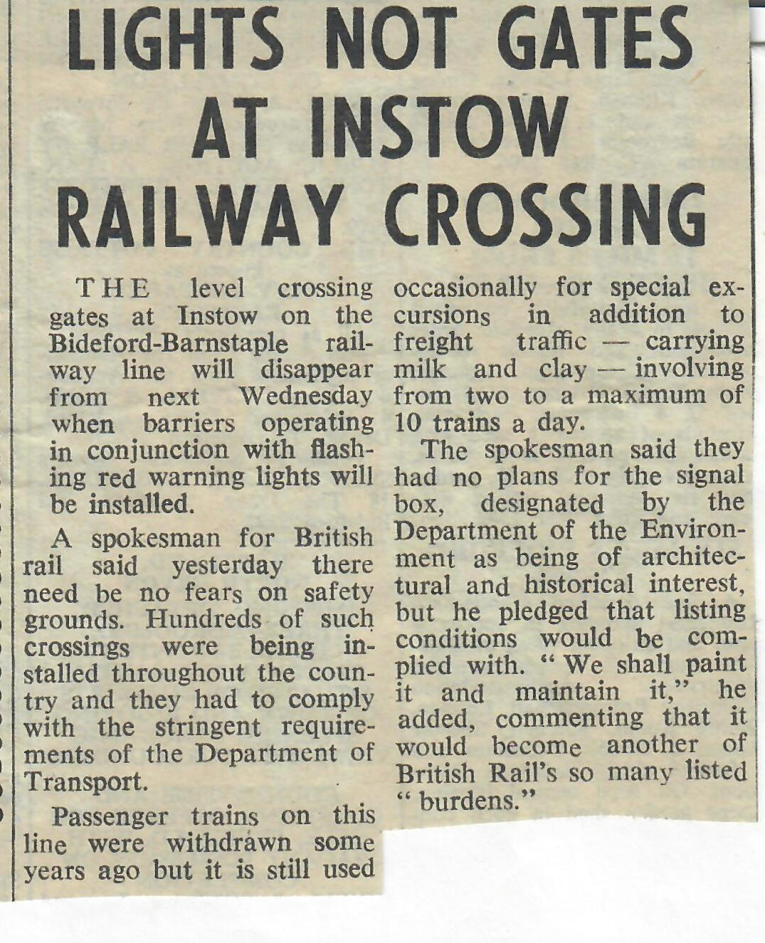 lights not gates at Instow Railway Crossing